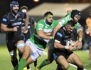 28/10/16 GUINNESS PRO12     GLASGOW WARRIORS v BENETTON TREVISO    SCOTSTOUN - GLASGOW     Glasgow Warriors' Rory Hughes (front) with Nicola Quaglio (2nd from left) and Ian McKinley